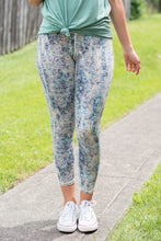 Load image into Gallery viewer, Crop Activewear Pants (Blue)