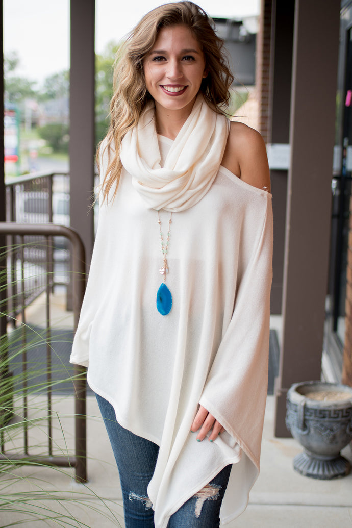 Sweet Time Poncho (Ivory)