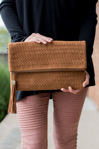 Hold My Gaze Clutch (Camel)