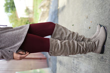 Load image into Gallery viewer, Amazing Fleece Lined Leggings (Burgundy)