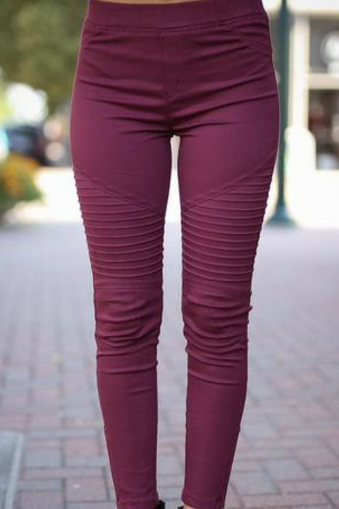 8891a28be89753 Zipped Up Motto Jeggings | Pinkslateboutique.com – Pink Slate Boutique