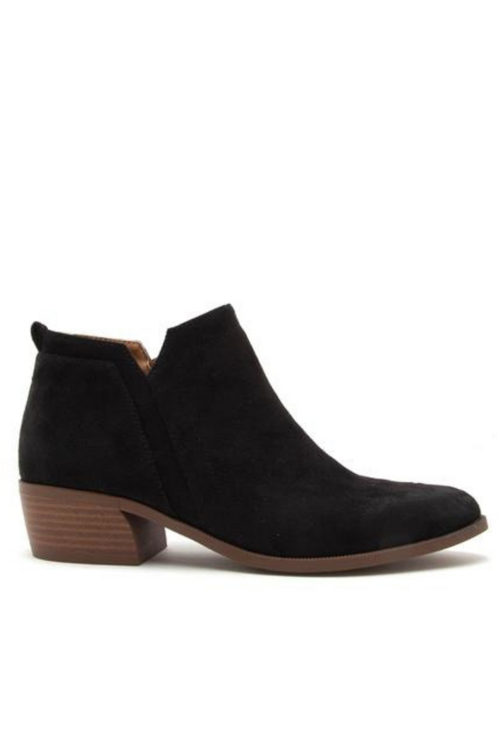 Stride My Way Booties (Black Oil Finish)