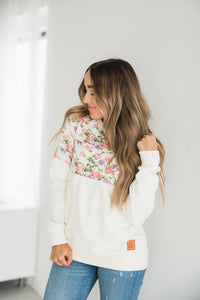 Ampersand Ave‰™ Pullover - Cream Floral (Curvy)