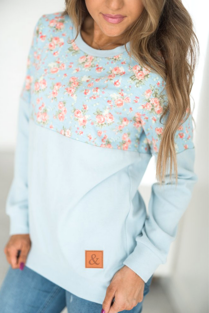 Ampersand Ave‰™ Pullover - Blue Floral (Curvy)
