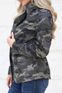 Focus On the Frontlines Jacket (Curvy Camo)