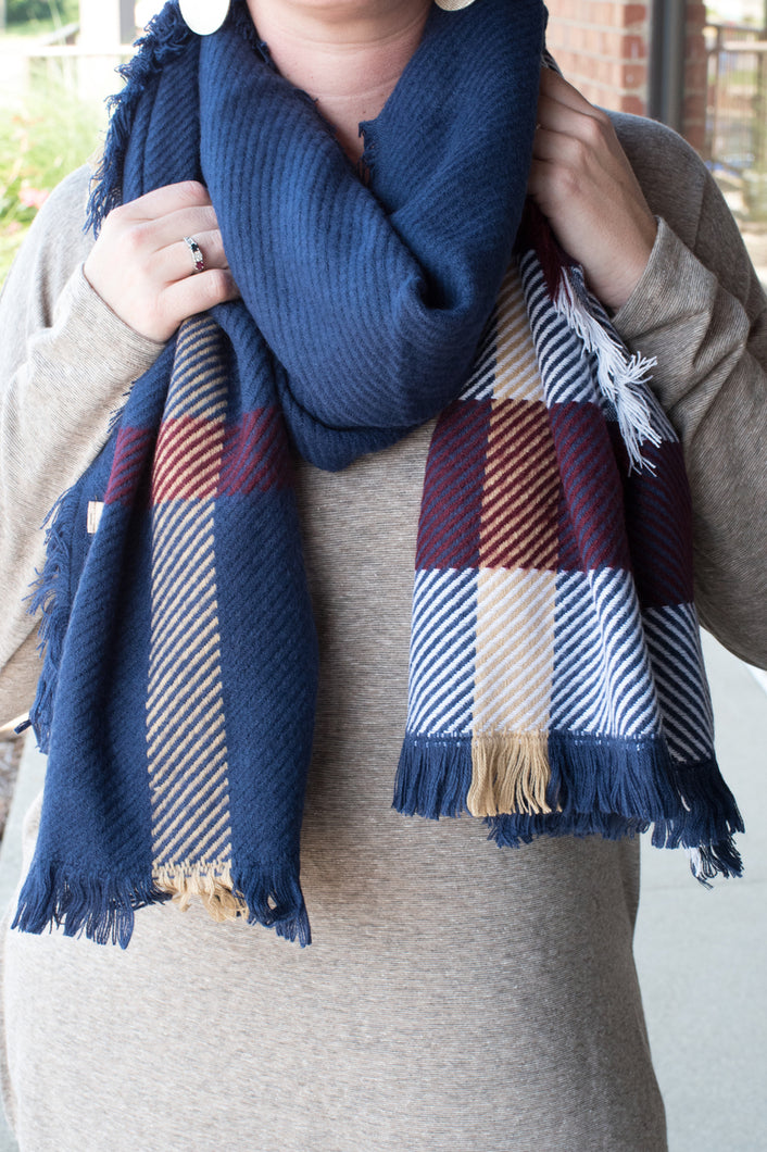 Leave the Cold Behind Scarf (Navy)