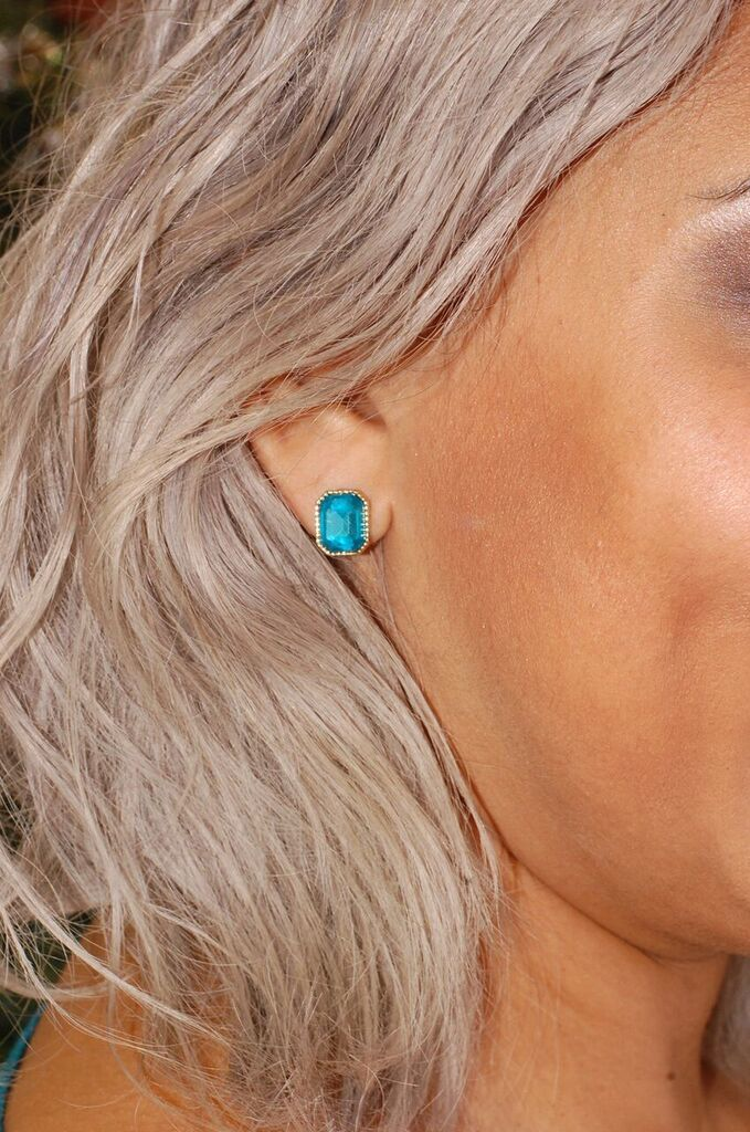 Goodnight Kisses Earring (Teal)