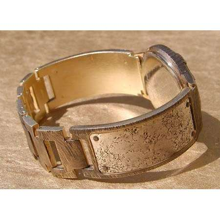Eduardo Milieris Minstrel Watch: Large Silver Concrete Engraving on Wide Band