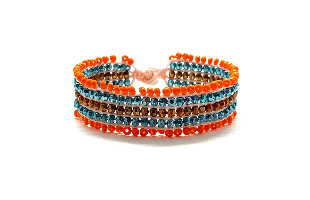 Beaded bracelet, multilayered color sequence