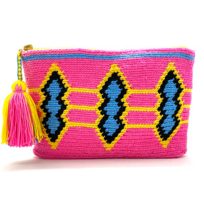 Clutch with fluo pink body, blue, black, and yellow diamond pattern and tassel