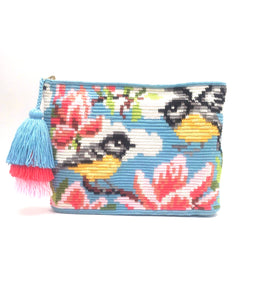 Yellow belly Siskin clutch, with triple tassel.