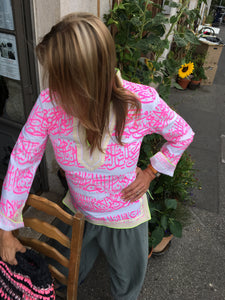 Rumi Tunic, pink print, crème collar, lime sequence