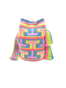 Tbag pattern bag, pastel colors, with tassels.