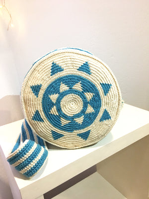 Pompom bag, blue pattern, crème body.