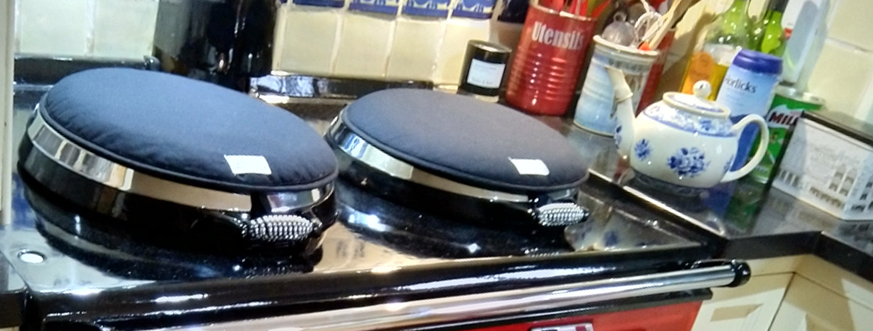 Red Aga range cooker re-enamelled