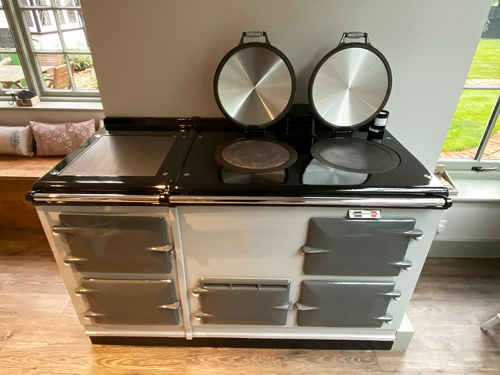 A Two Tone Aga Range Cooker & A Matching Cat!