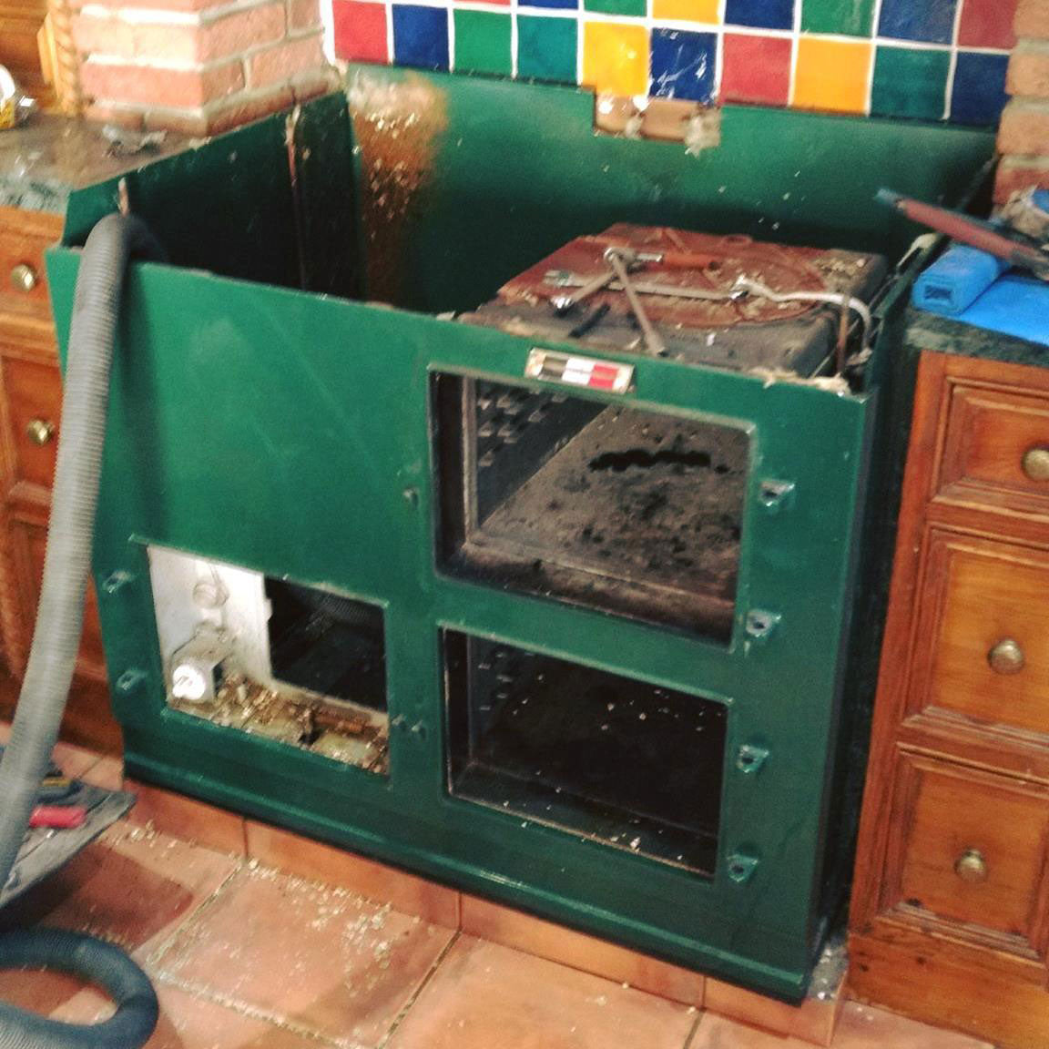 How to dismantle an Aga range cooker