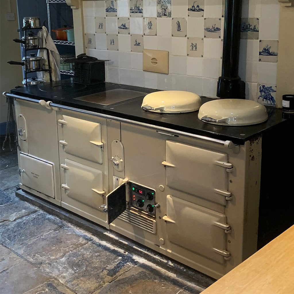 A 4 oven vintage aga range cooker converted to electric how to run an aga range cooker more economically
