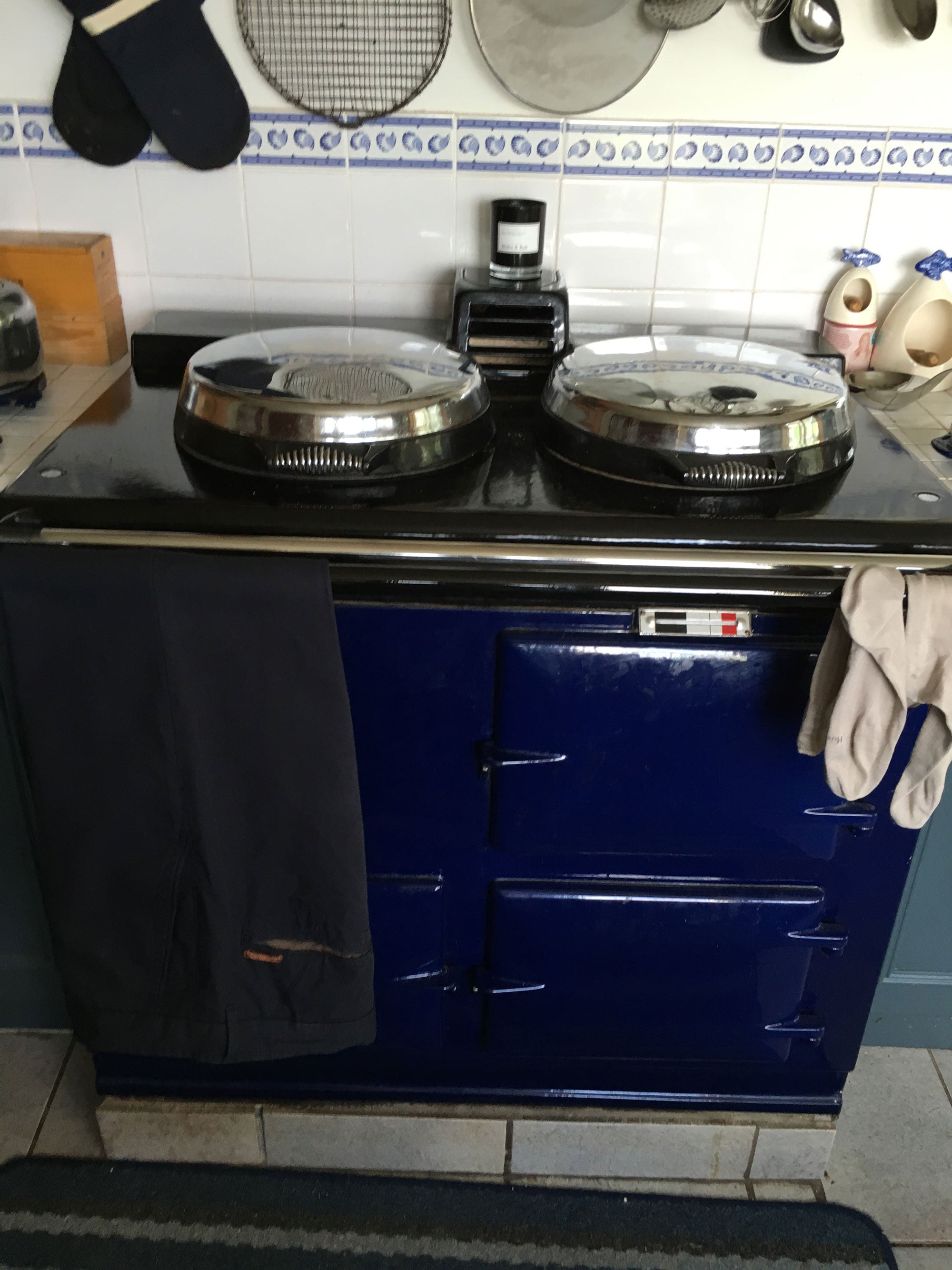 Blue Aga with drying rail