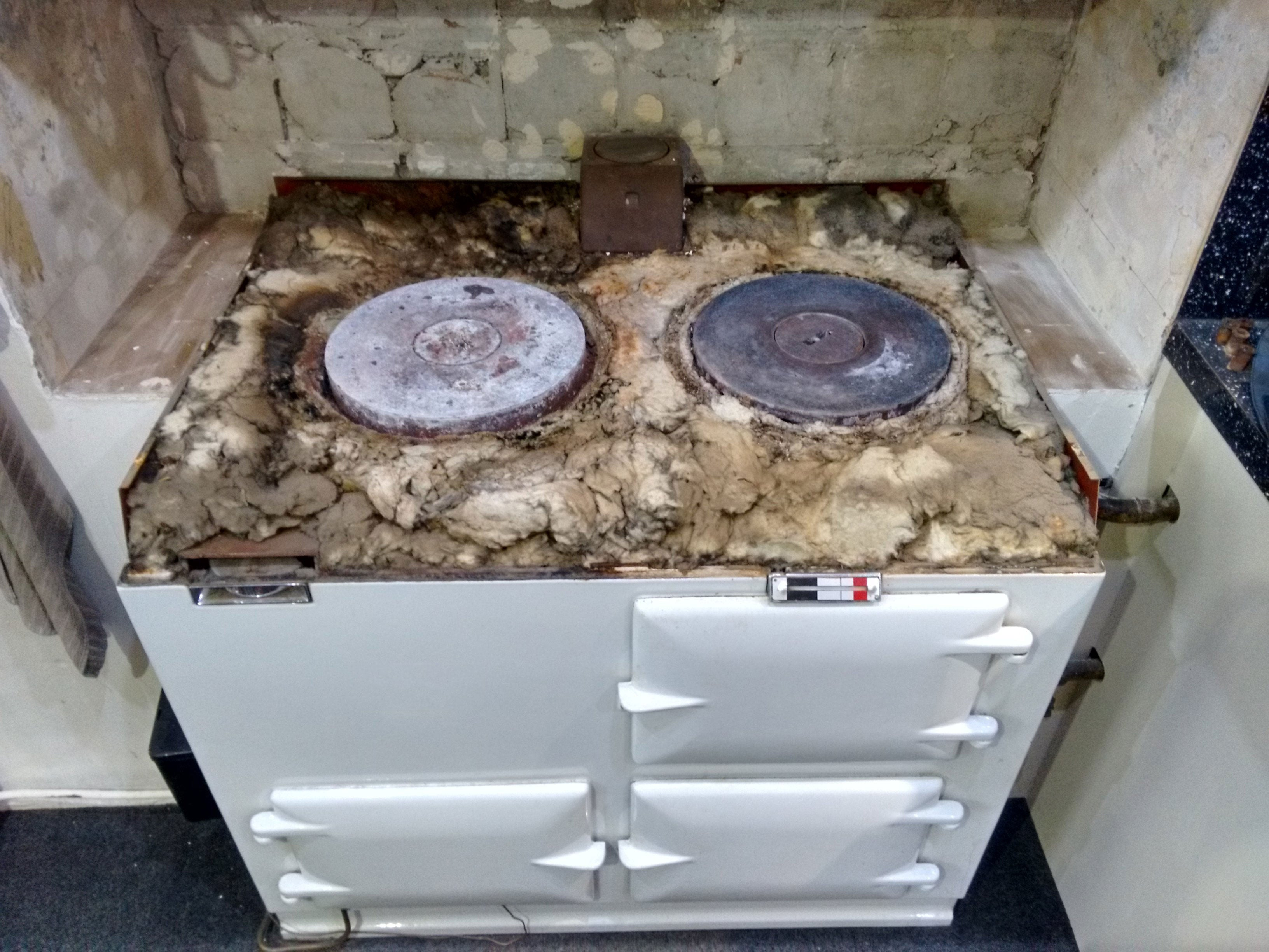 Aga range cooker with original insulation from the 1960s