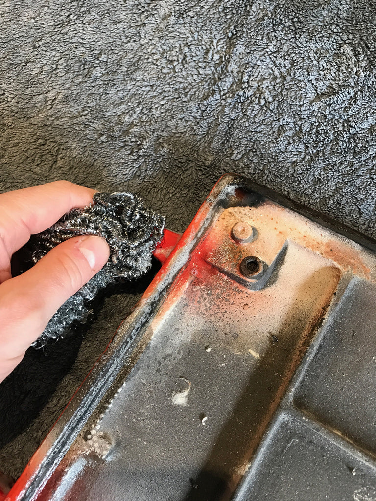 Cleaning hinge