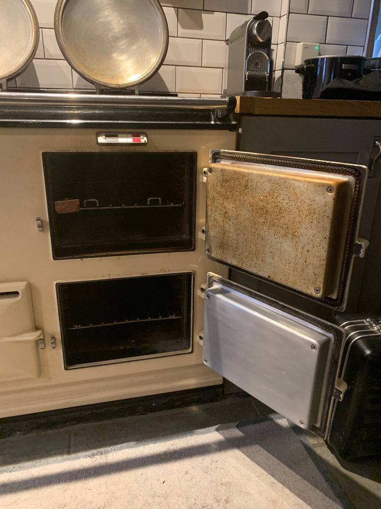 Re-enamelling service in vitreous enamel suitable for Aga range cookers Refurbishment and re-enamel re-coating re-surfacing of an Aga range cooker by Blake and Bull Uk