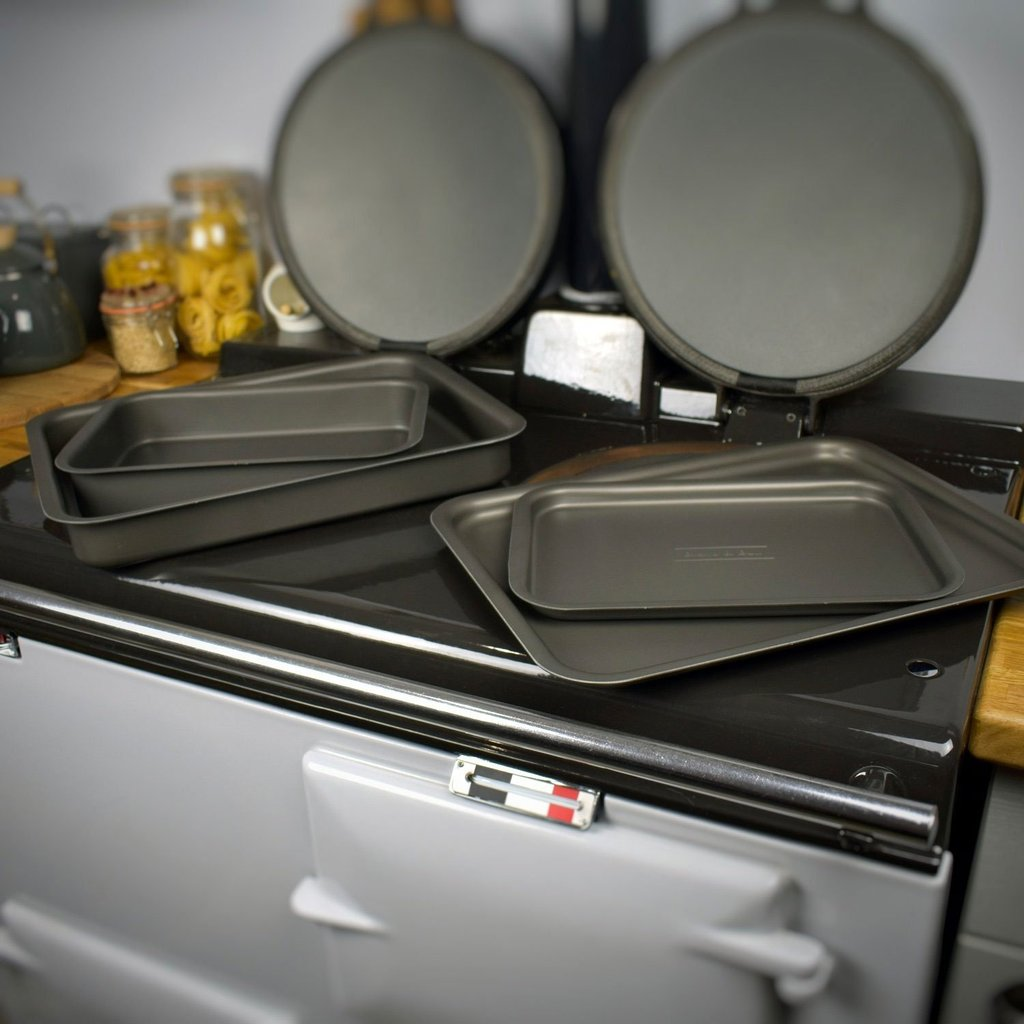 fits on runners roasting trays suitable for use in Aga range cookers