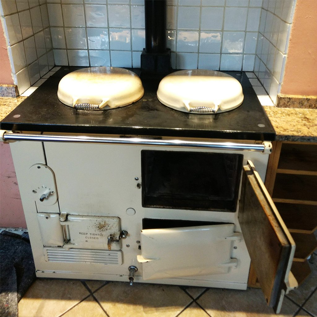 DON Heating Products (unconverted Aga range cooker)