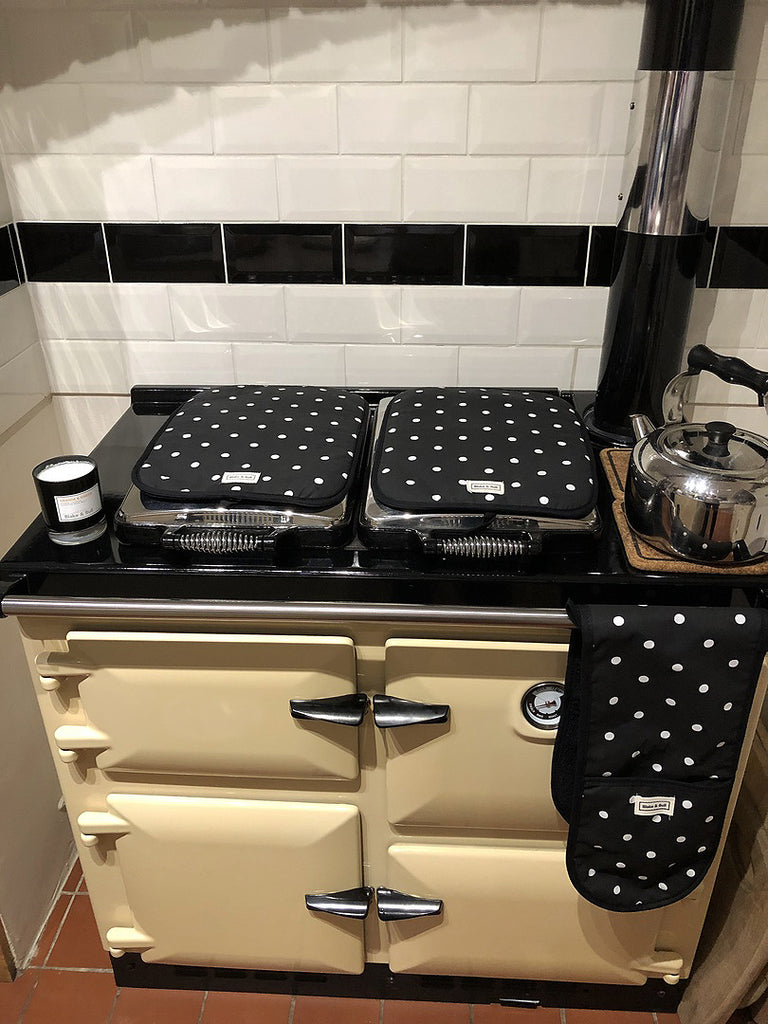 Blake and bull kitchen ware cookware textiles bakeware linens refurbishment electric conversion spares cleaning re-enamelling insulations services suitable for Aga range cookers cast iron baking sheet for Aga range cookers hob covers for range cookers