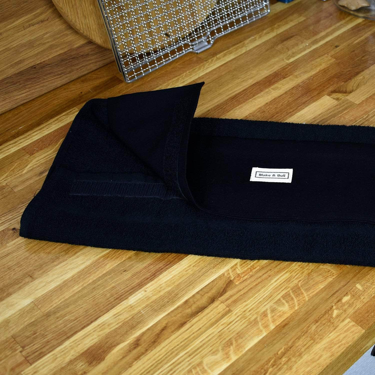 *New* Narrow (32 cm) hanging towel with velcro attachment - 'All Black'