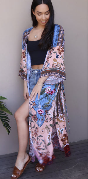 'Fiona' Printed Long Sleeve Beach Wear Long Kimono Jacket in FLORAL BLUSH