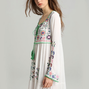 'Sophia' Floral Embroidered Long Sleeve Maxi Dress (2 Colours)