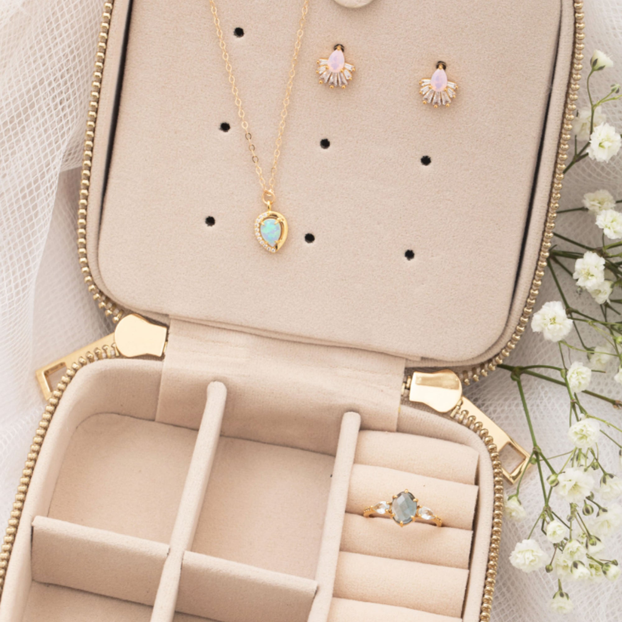 Surprise Jewelry Case (with 3 FREE pieces of jewelry)