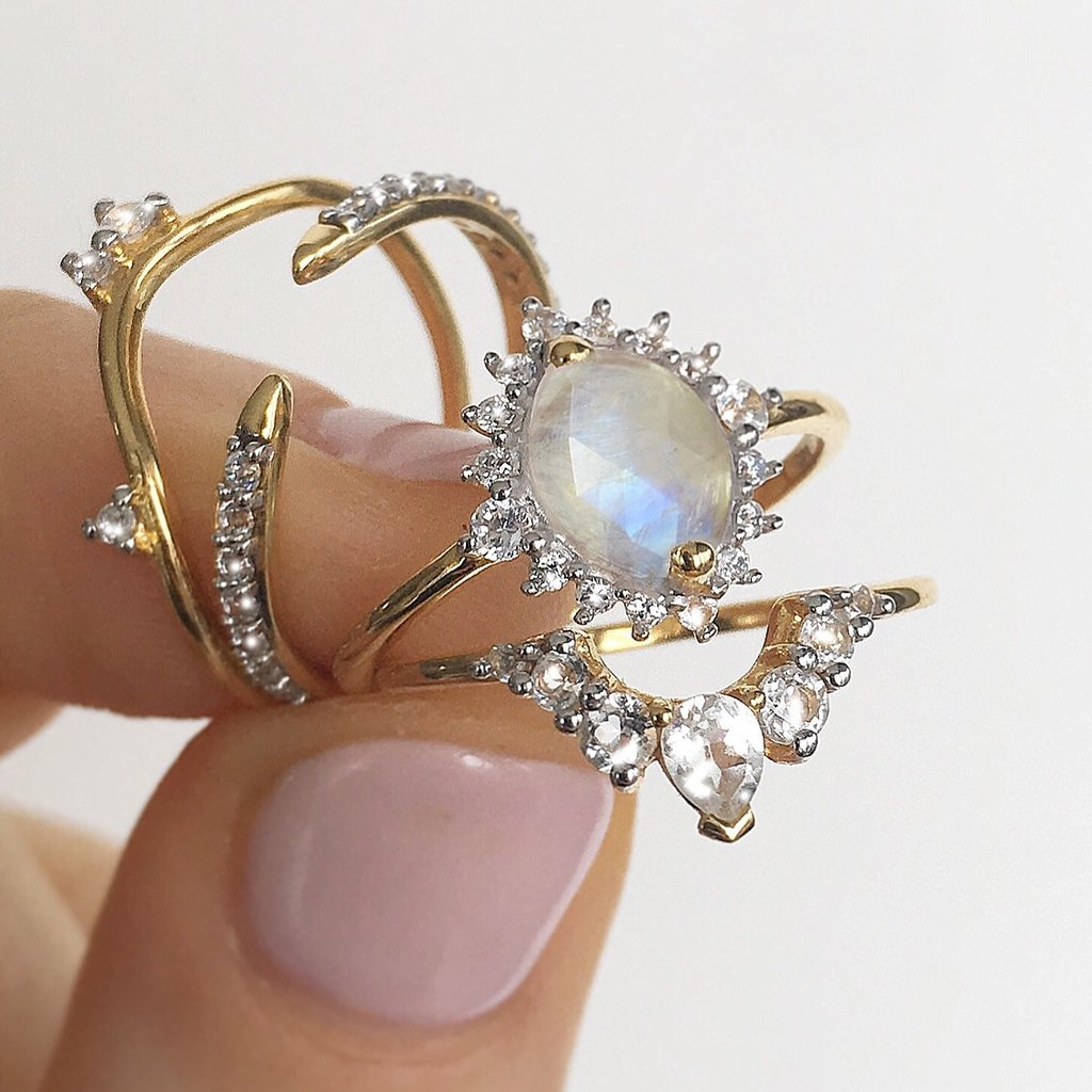 14kt White Topaz Angels Arc Ring