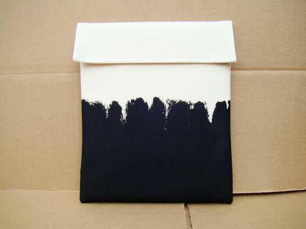 iPad sleeve - Black on White