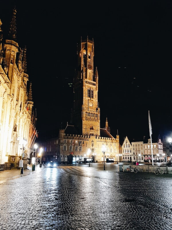 1. Galaxy S8 - Bruges - Touristy Advisor