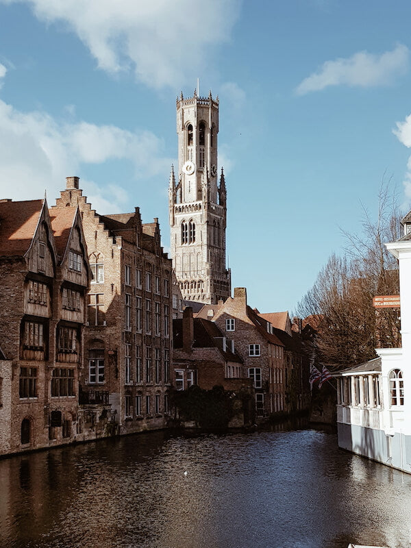 2. Galaxy S8 - Bruges - Touristy Advisor