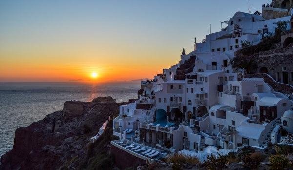 Instagrammable Places to Eat in Santorini