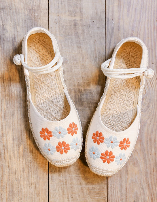 Handmade Daisy Embroidery Comfortable Flat Shoes