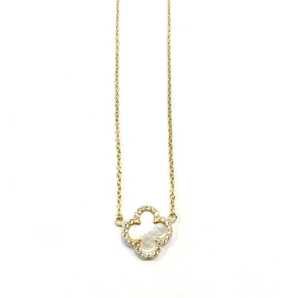 Medium Pearl Clover Necklace