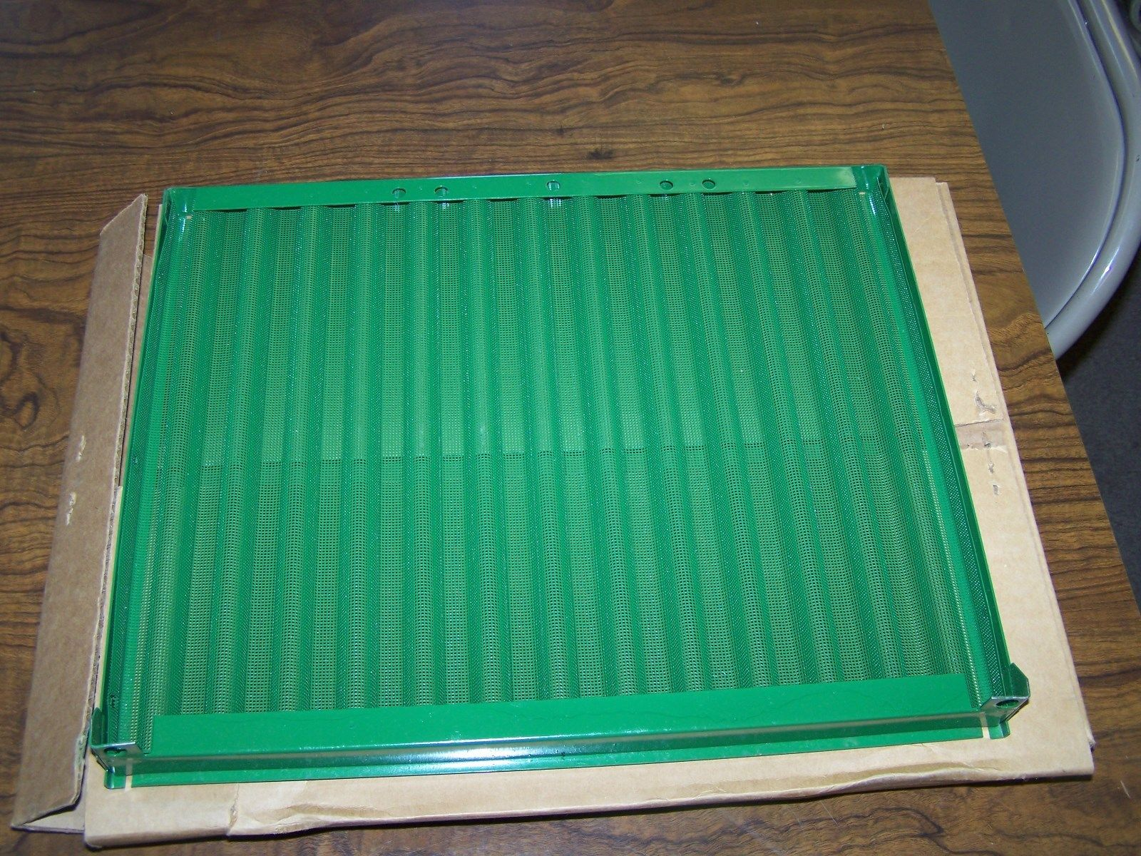 John Deere 13.5 x 17 Side Screen AR72949