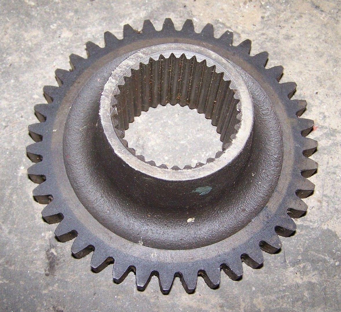 CASE INTERNATIONAL IH 395 4210 695 885 464++ Gear - Constant Mesh Driven 404090R