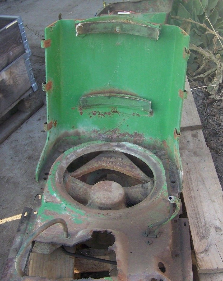 JOHN DEERE 3010 Front and Support R27023R