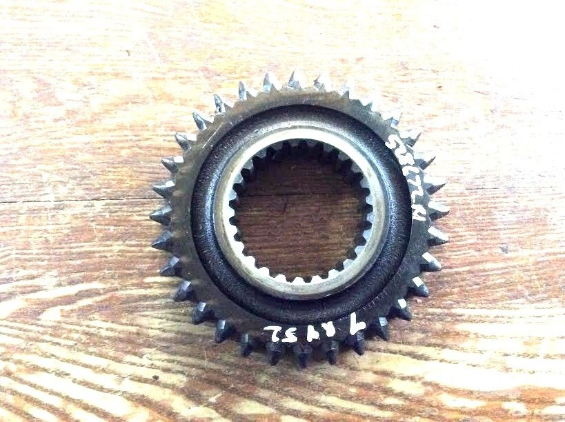 IH 528672R1 2nd Speed Drive Gear For Models 766 856 966 1486 3588 ++
