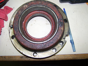 Case IH 806 LH Transmission Differential Bearing Retainer 384086R2