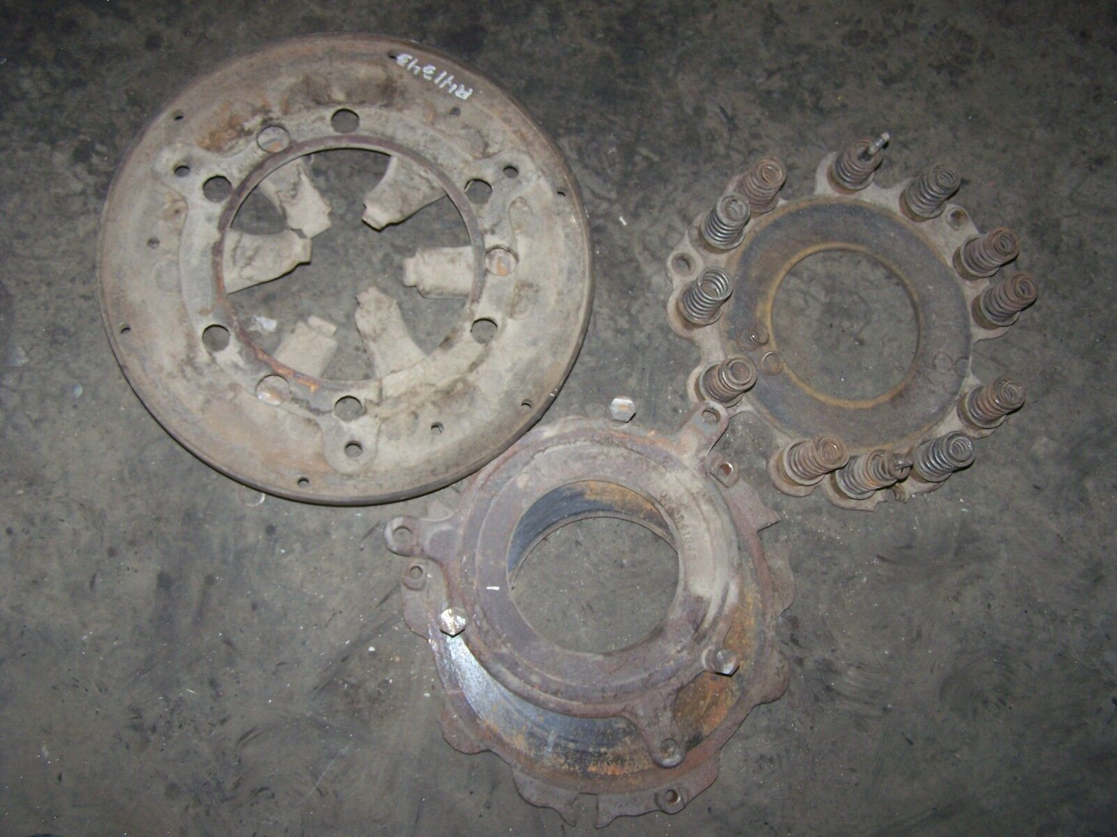 JD 3010/3020 4010/4020 tractor Clutch (PARTS)  Part #R41343