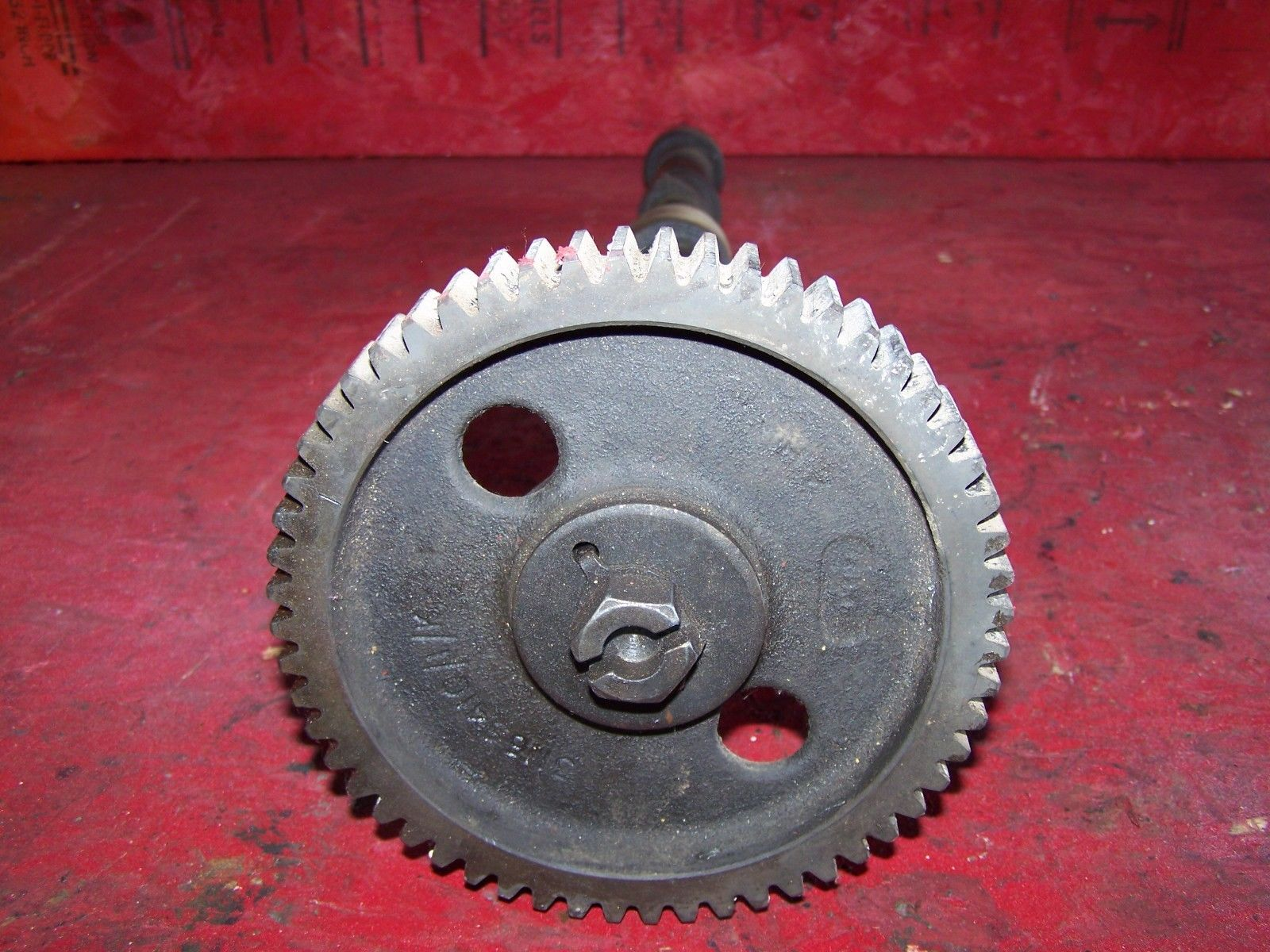Allis Chalmers 5040 5045 5050 Cam Shaft & Gear 31165410