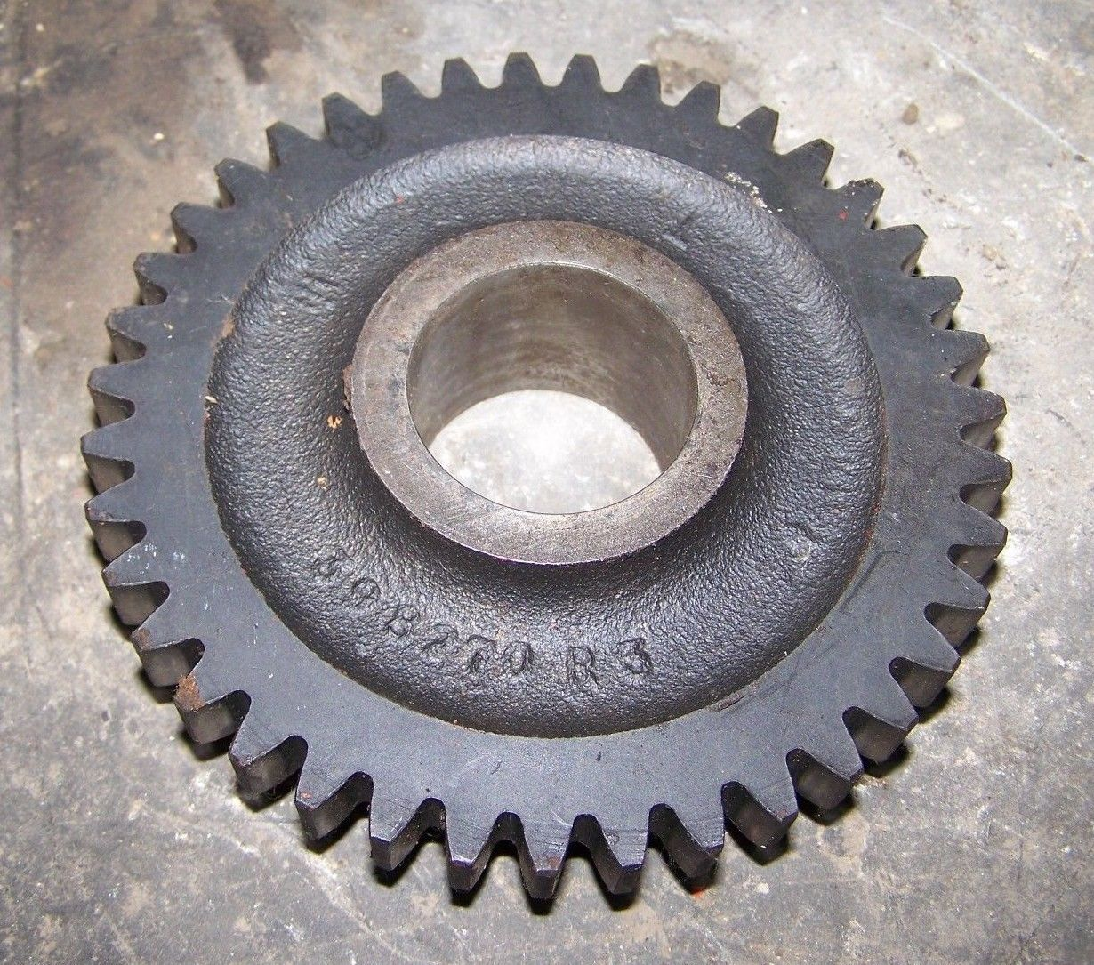 INTERNATIONAL IH 484 584 684 784 Gear - Mainshaft 398270R 39 Teeth