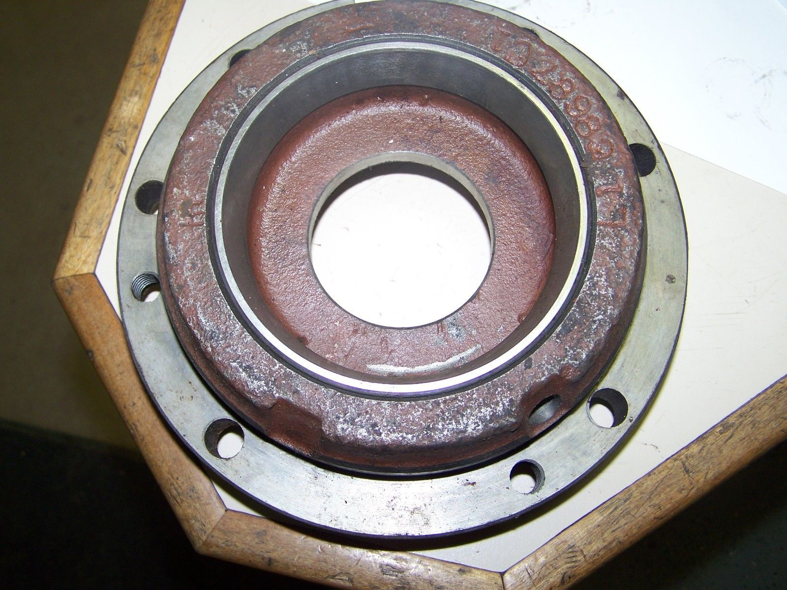 Case IH 886 LH Transmission Differential Bearing Retainer 68687C1