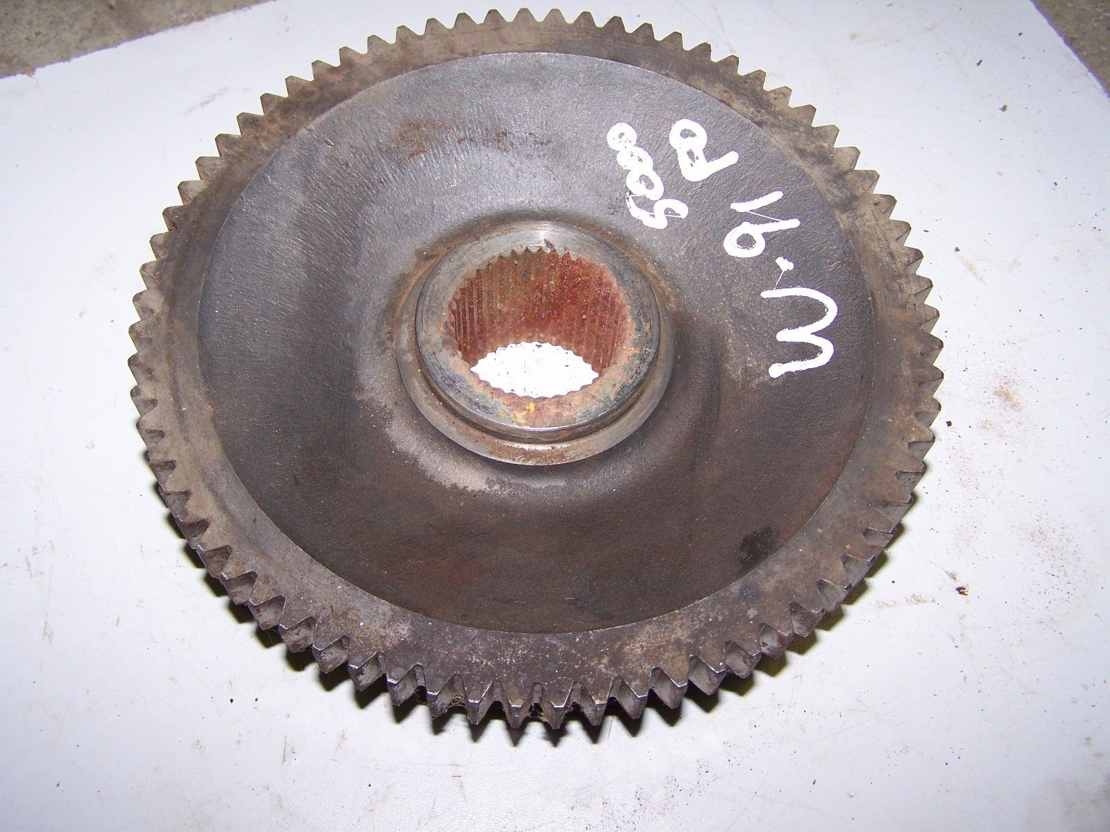 Ford - New Holland 5000  PTO Driven Gear D2NNA726A